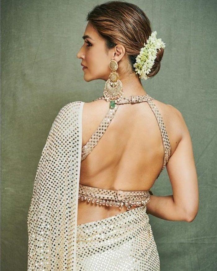 Hottie Alert: Ace the HOT 'backless' fashion look like Kriti Sanon 1