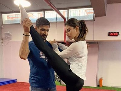 In Pics: Mouni Roy's HOT And SEXY Workout Moves 1