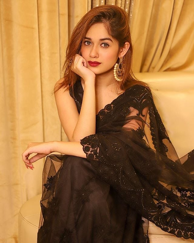 Jannat Zubair In Black Saree or Red Lehenga: The Best Embellished Shimmer Net Outfit 3