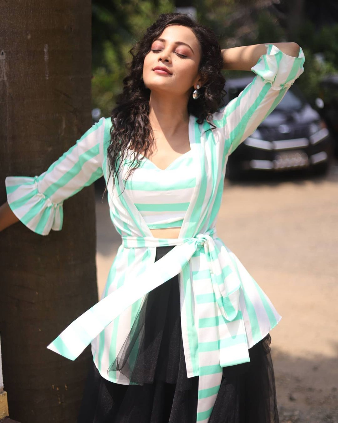 Kaveri Priyam Looks A HOTTIE In These Casual Outfits! 4