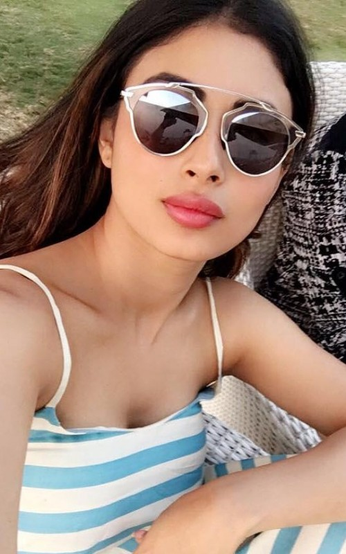 Mouni Roy's Cool Glasses Collection For Everyday Use 5