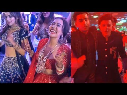 Neha Kakkar And Avneet Kaur's CUTE BFF Moments 2