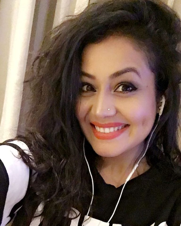 Neha Kakkar's Confidence To Face Camera With No-Makeup Look Is Wow! 1