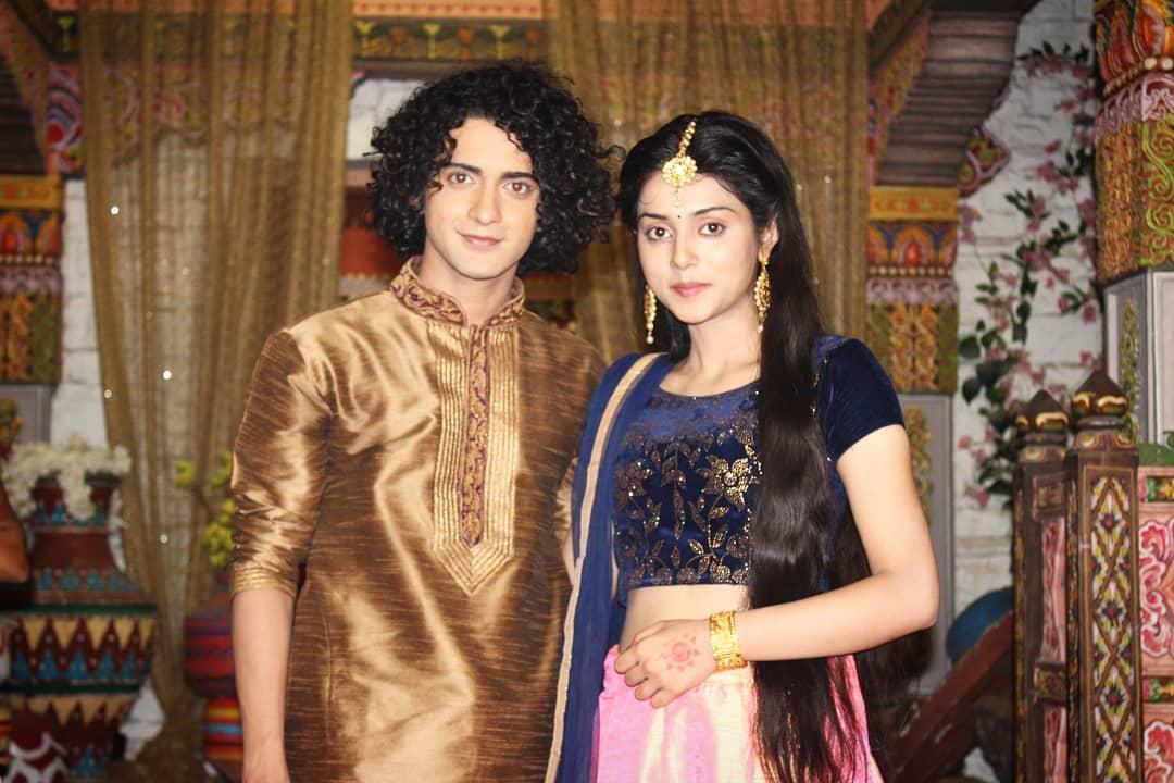 RadhaKrishn's Sumedh Mudgalkar And Mallika Singh Look Super-Hot In This Indian Avatar! 6