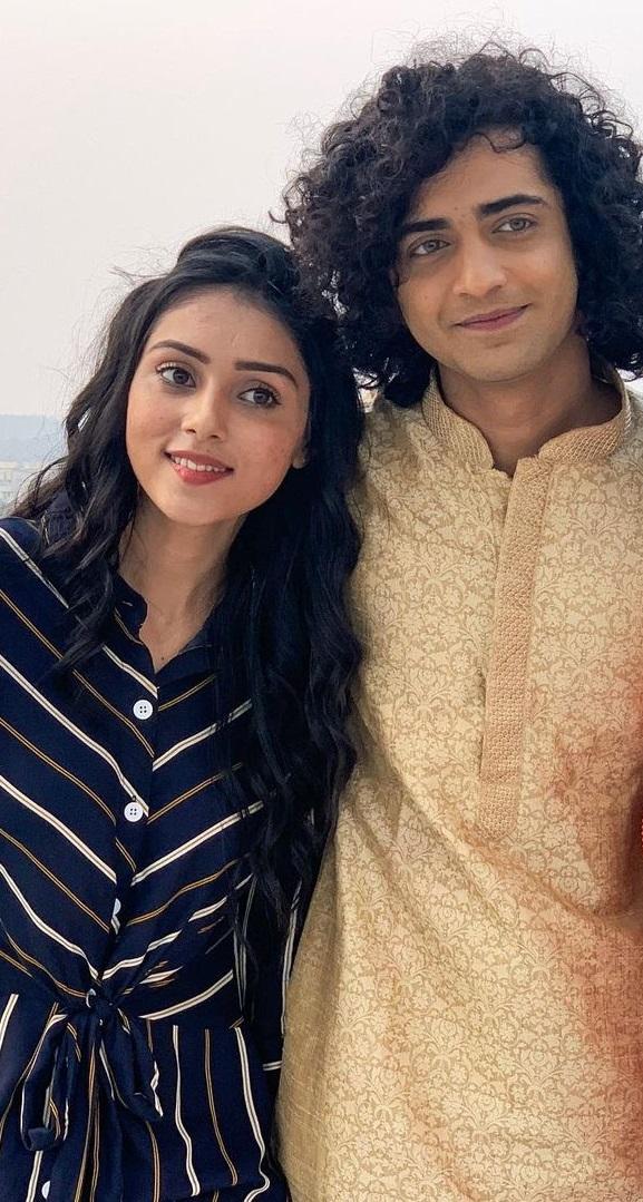 RadhaKrishn's Sumedh Mudgalkar And Mallika Singh Look Super-Hot In This Indian Avatar!