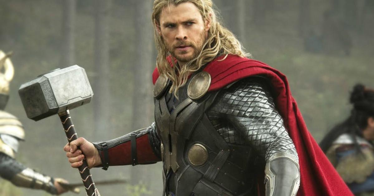 Scarlett Johansson, Elizabeth Olsen, Chris Hemsworth, RDJ: Hottest Avengers Pictures 4