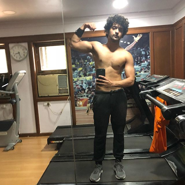 Sexy & Unseen Photos Of Sumedh Mudgalkar That Went Viral On The Internet 2