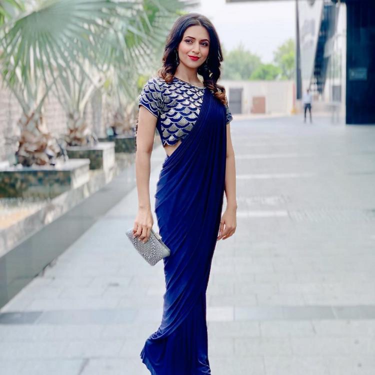 Top 6 Saree Looks Of Divyanka Tripathi 4