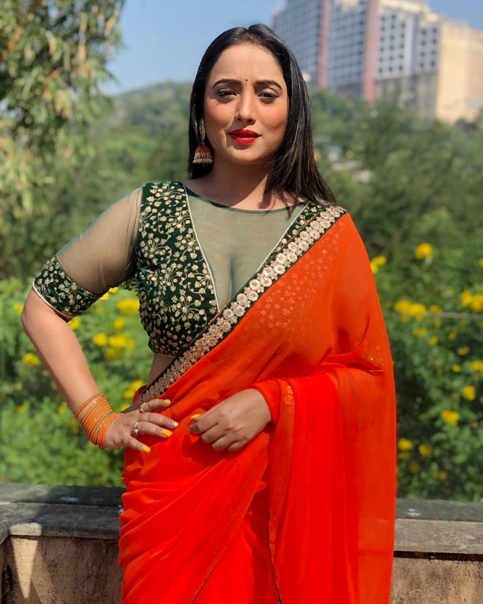 Watch Video: Bhojpuri star Rani Chatterjee's sexy and sensuous hot dance goes viral 1