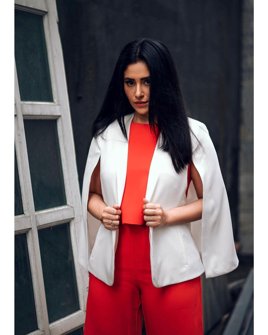 Bodycon or well-fit denim with shirt makes me feel 'sexy': Shubhaavi Choksey 2