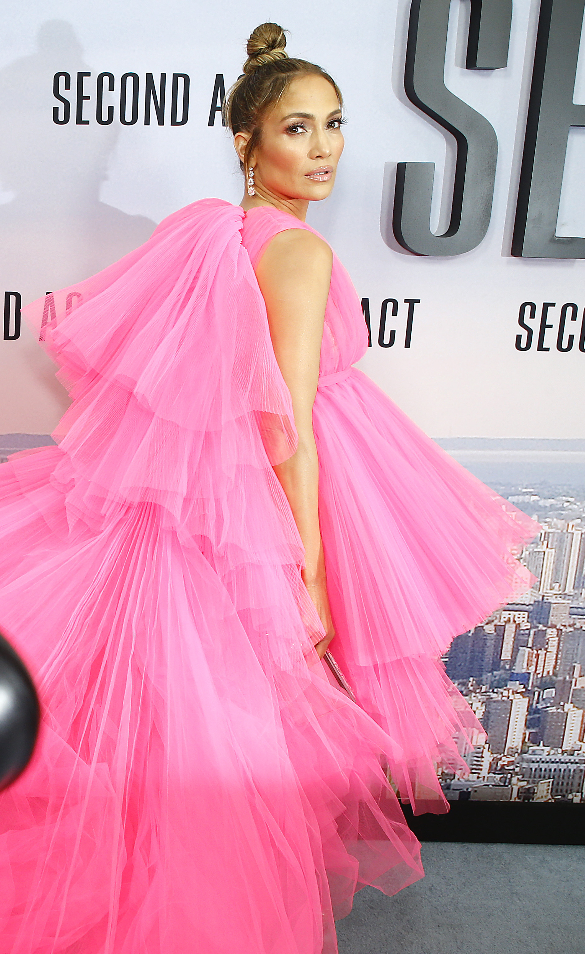 Jennifer Lopez Hottest Looks On Red Carpet That Made Her The Center Of All Attraction 4