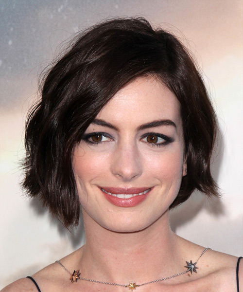 Style Your Hair Like A Celebrity With Anne Hathaway: Have A Look At Some Of Her Hottest Pics 3