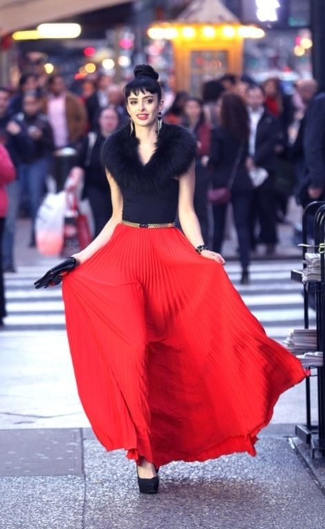 Krysten Ritter In Black Top And Red Pleated Skirt Looks ...