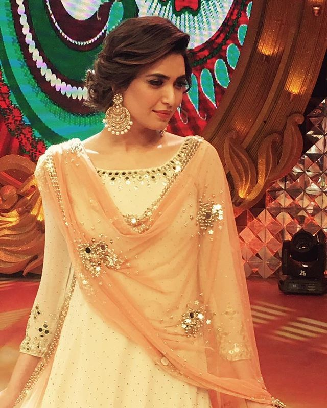 Karishma Tanna's 5 Most Modish Looks To Recreate For An Intimate Wedding - A9Themes News :: TV Serial :: bridal wear, Karishma Tanna, karishma tanna bride, karishma tanna wedding outfits by A9Themes Media on A9Themes News