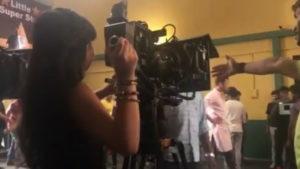 कुल्फी कुमार बाजेवाला: अमायरा उर्फ मायरा सिंह सेट पर 'निर्देशक' बन गए 1