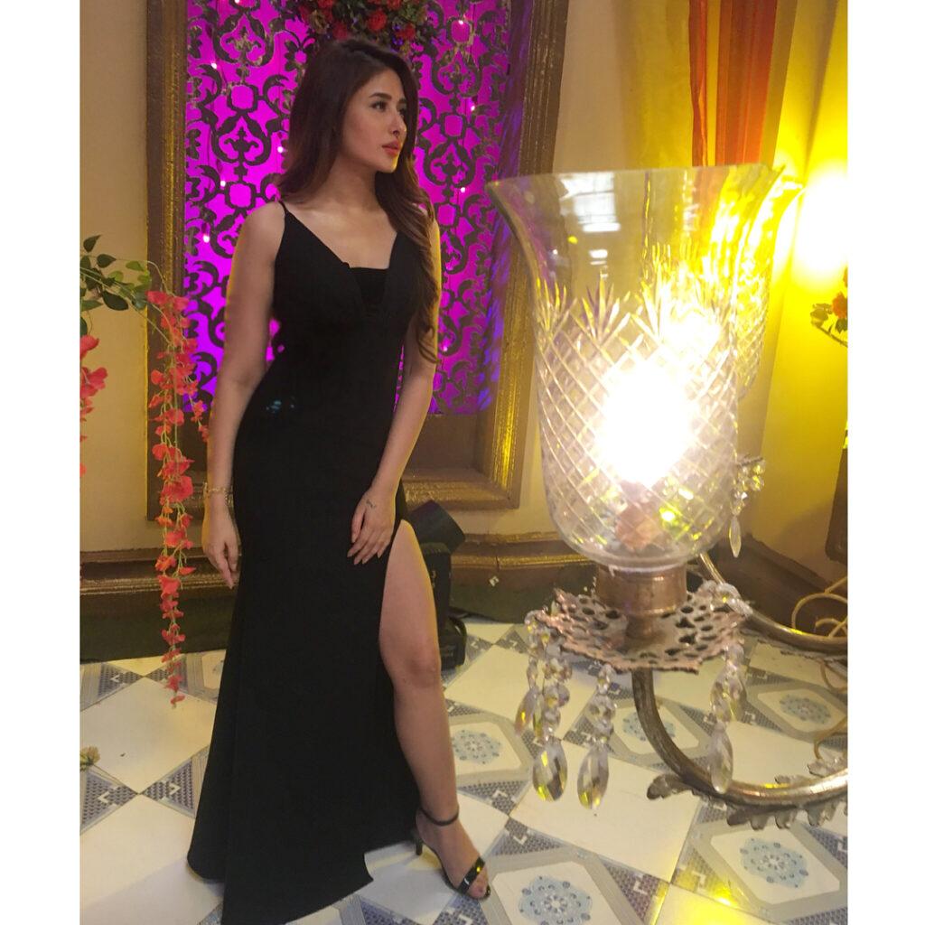 देखिए बिग बॉस की कंटेस्टेंट माहिरा शर्मा की हॉट तस्वीरें 2