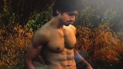 हर्षद चोपड़ा की शर्टलेस हॉट तस्वीरे
